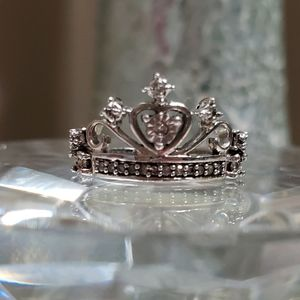 Genuine diamond ring 0.11 ct. tw tiara